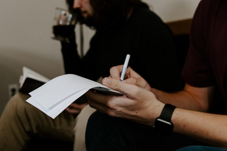 چگونه با یادداشت برداری زبان انگلیسی را سریع یاد بگیریم